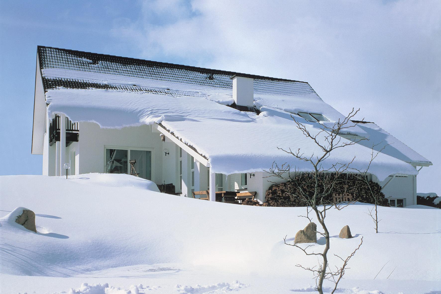 снег на крыше дома картинки сам себе